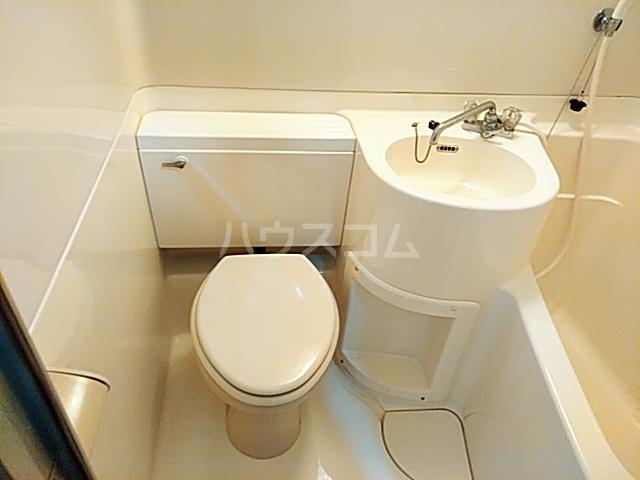 サンシャトー粟生間谷 205号室のトイレ