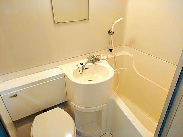 サンシャトー粟生間谷 205号室の洗面所