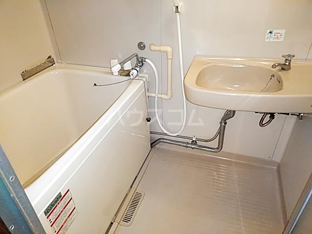 ジョイハイツ 102号室の風呂