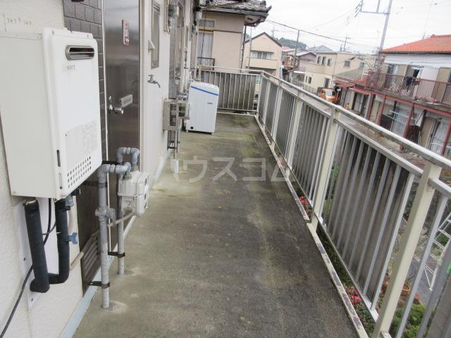 関山アパート 101号室のエントランス