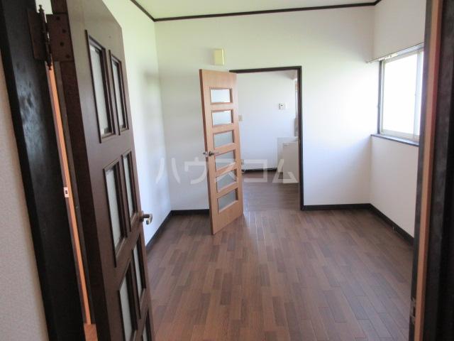 コーポルークワットA 201号室のリビング