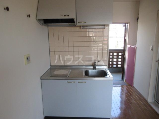 カーサU Ⅱ 103号室のキッチン