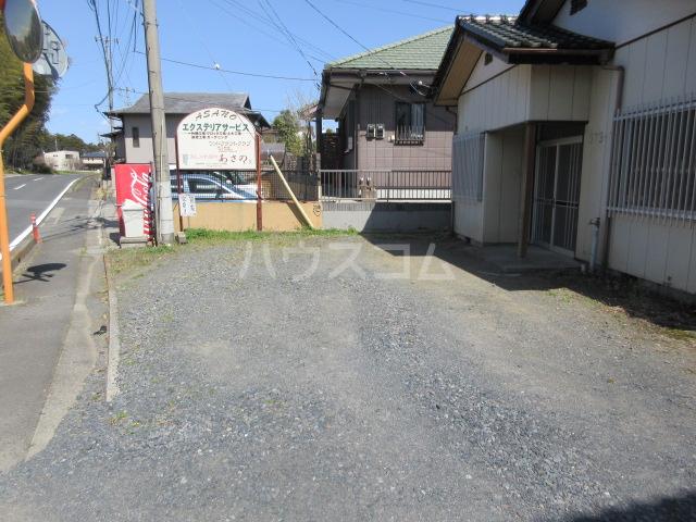 舟木平屋の駐車場