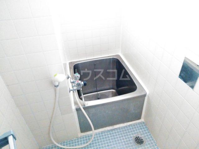 三の丸ブルーハイム 106号室の風呂