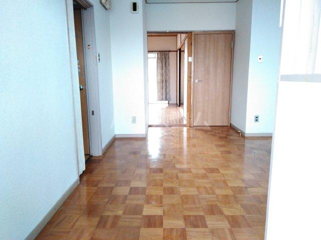 三の丸ブルーハイム 106号室の玄関