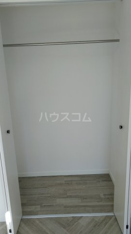 フローラハイツB 101号室の収納