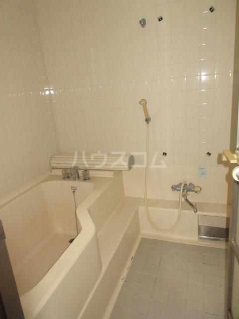 高橋アパート 1号室の風呂