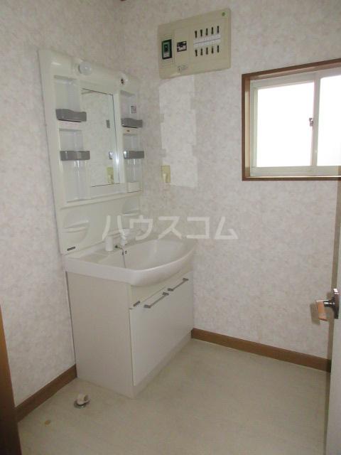 高橋アパート 1号室の洗面所