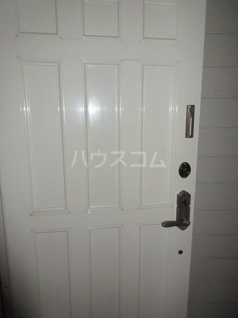 高橋アパート 1号室の玄関