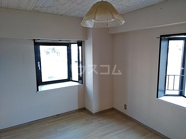 リッツガーデンⅠ 306号室のリビング