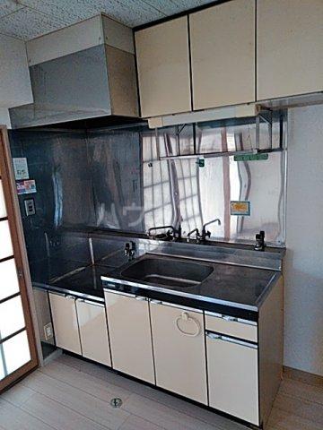 リッツガーデンⅠ 306号室のキッチン