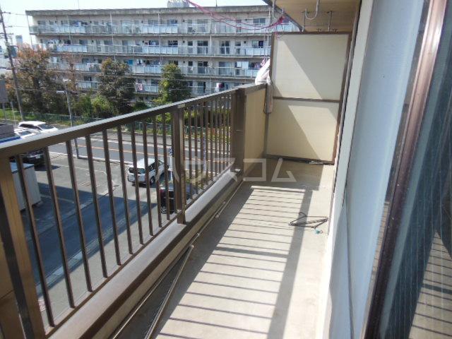 ラフォーレ クラチ 303号室のバルコニー