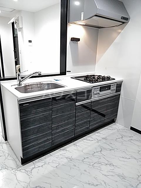鈴木ハイツ 101号室のキッチン