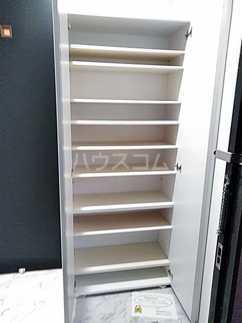 鈴木ハイツ 101号室の玄関