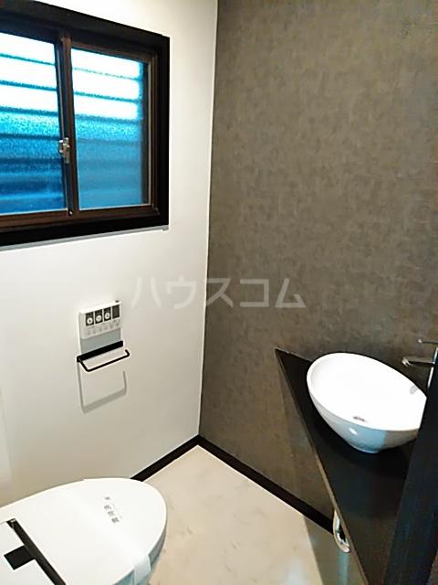 鈴木ハイツ 101号室のトイレ