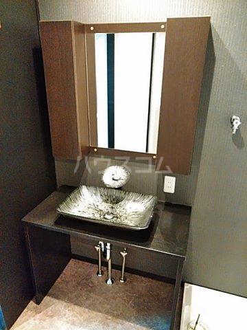 鈴木ハイツ 103号室の洗面所