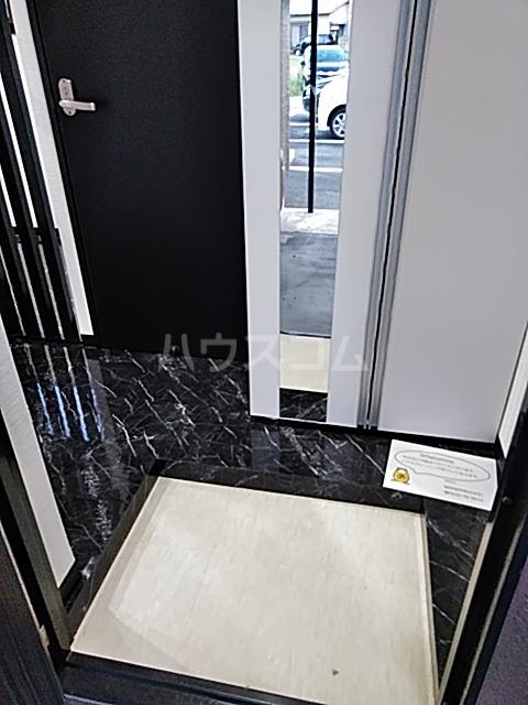 鈴木ハイツ 103号室の玄関