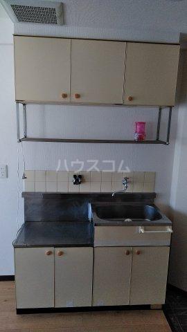 オレンジハウス 1002号室のキッチン
