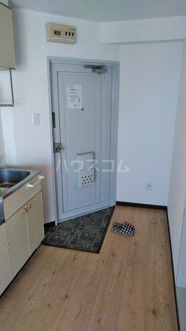 オレンジハウス 1002号室の玄関