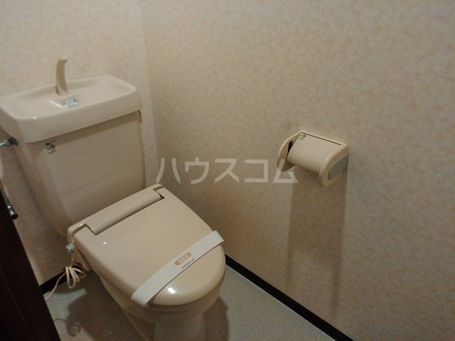 Grand Latour 205号室のトイレ