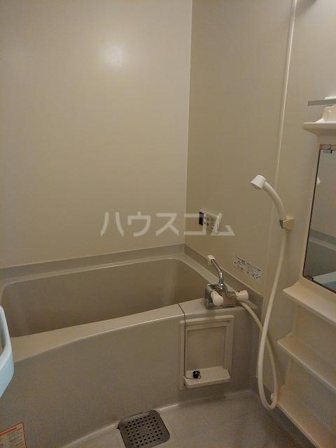 Grand Latour 205号室の風呂