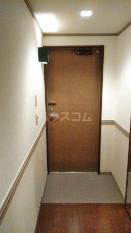 Grand Latour 206号室の玄関