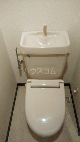 Grand Latour 206号室のトイレ