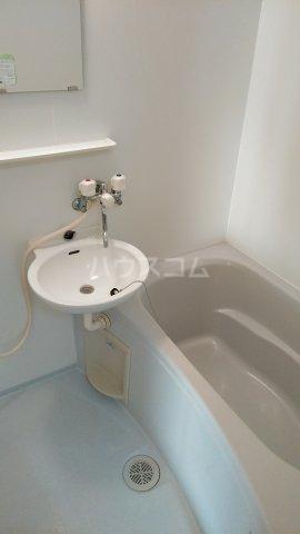 クレイドル武田 4号室の洗面所