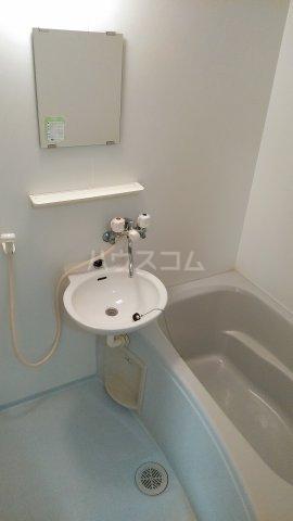 クレイドル武田 4号室の風呂
