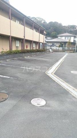 クレイドル武田 4号室の駐車場