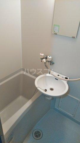 クレイドル松原 2号室の風呂