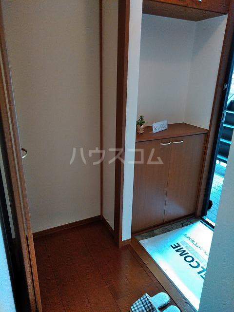 リジェール東山崎 A棟 102号室の玄関