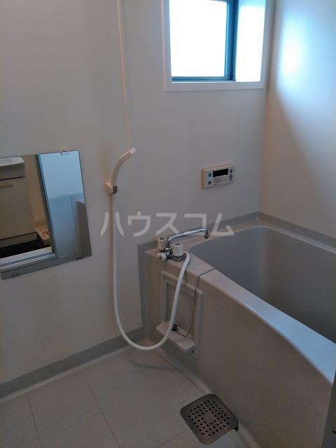 リジェール東山崎 A棟 102号室の風呂