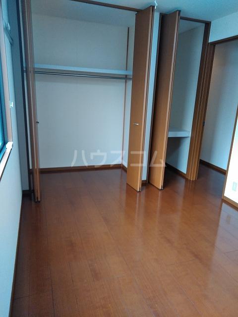 リジェール東山崎 A棟 102号室の居室