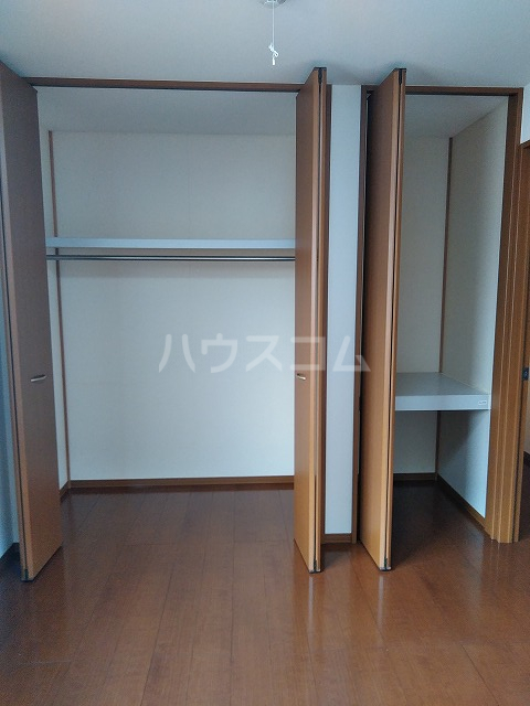 リジェール東山崎 A棟 102号室の収納