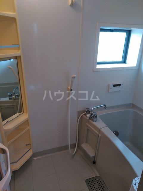 リジェール東山崎 D棟 102号室の風呂