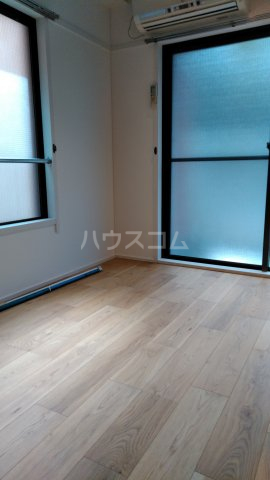 パレス所 201号室の居室
