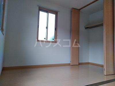 フォンターナ伏石 A棟 105号室のベッドルーム