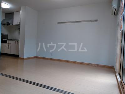 フォンターナ伏石 A棟 105号室のリビング
