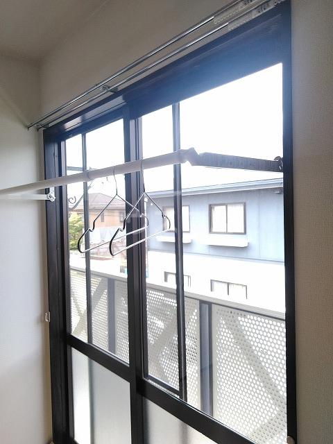 ヴィラ橋本 A棟 102号室のバルコニー