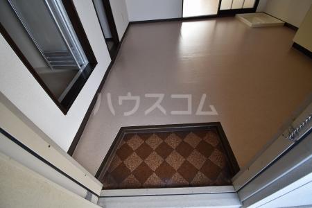 三宝ハイツ A棟 A202号室の玄関