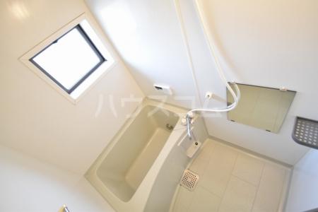 サン・スクエア A棟 202号室の風呂