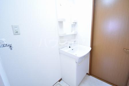 サン・スクエア A棟 202号室の洗面所