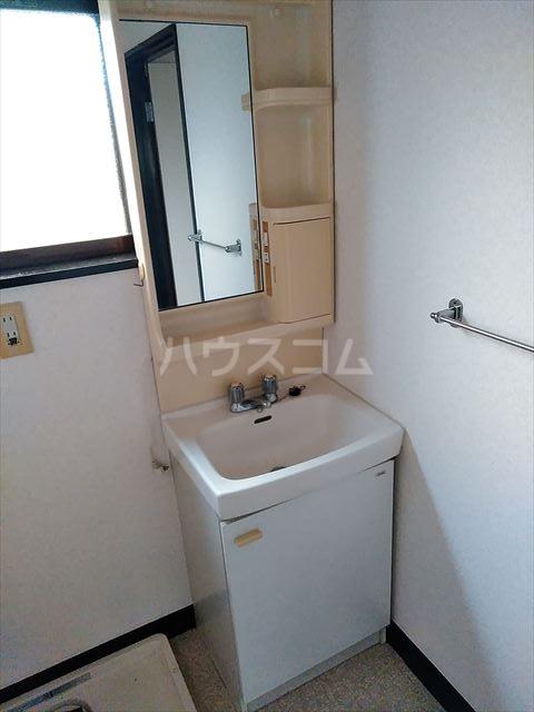 セントラルハイツ 201号室の洗面所