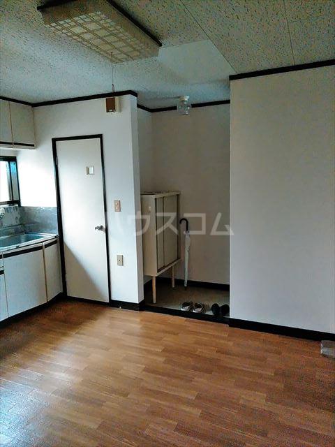 セントラルハイツ 201号室の居室