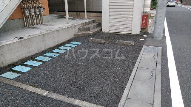 ハウスオブオレンジ 101号室の駐車場