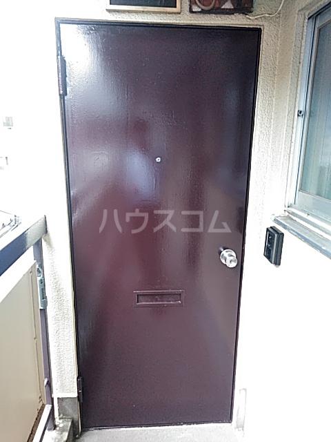 ヤングツリーズ 201号室の玄関