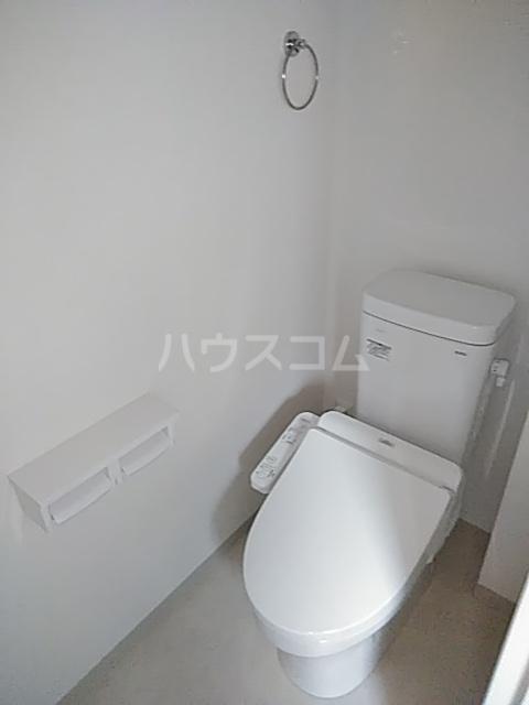ヤングツリーズ 201号室のトイレ