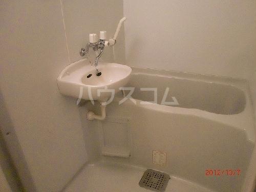 レオパレスリバーサイド室町 105号室の洗面所