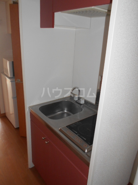 レオパレスグランシャリオⅡ 101号室のキッチン